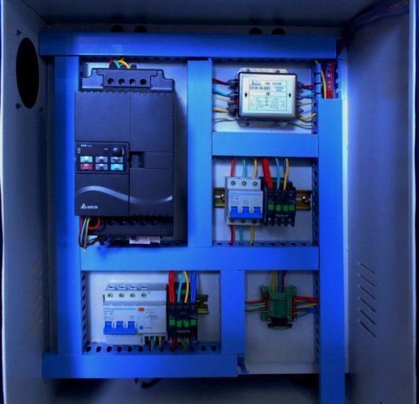 LTT-2141A Фрезерный станок с ЧПУ (вакуумный стол)