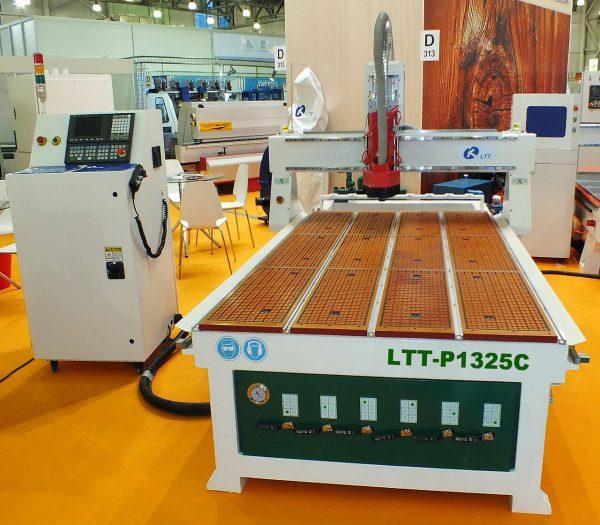 LTT-P1325Z Фрезерный станок с ЧПУ с автоматической линейной сменой инструмента