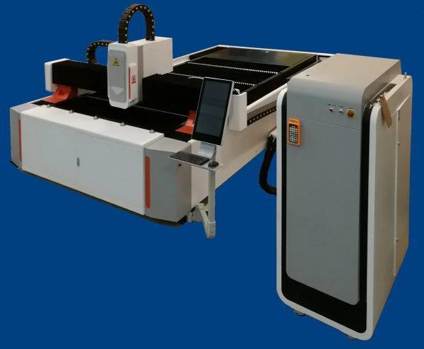 Оптоволоконный лазерный станок для резки металла LF-3015 - 1500